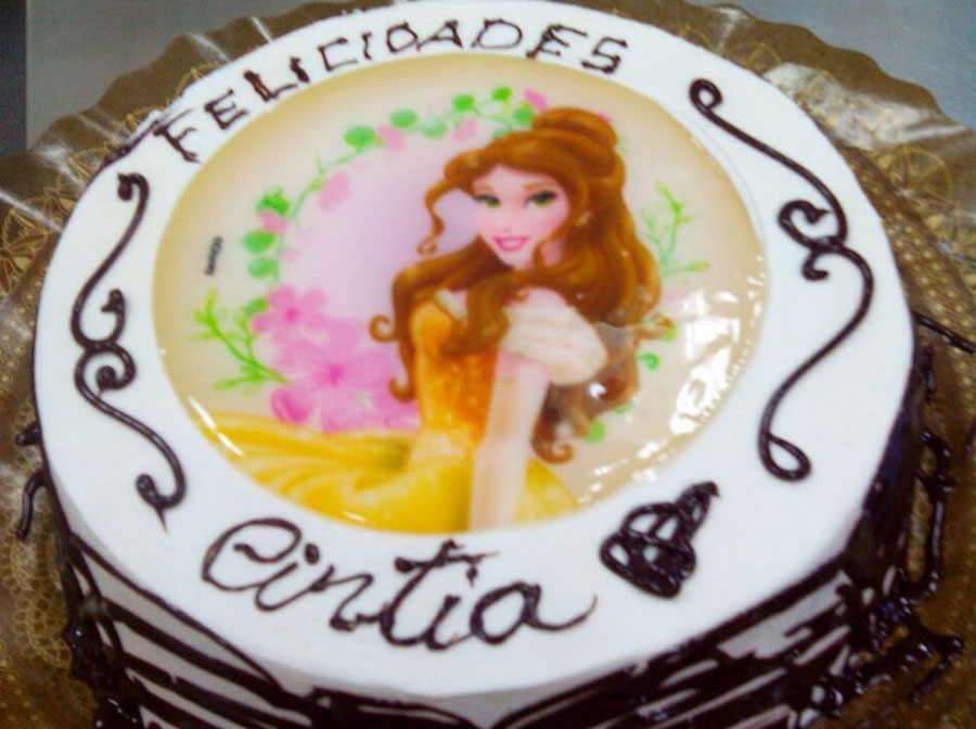 tarta decorada con princesa